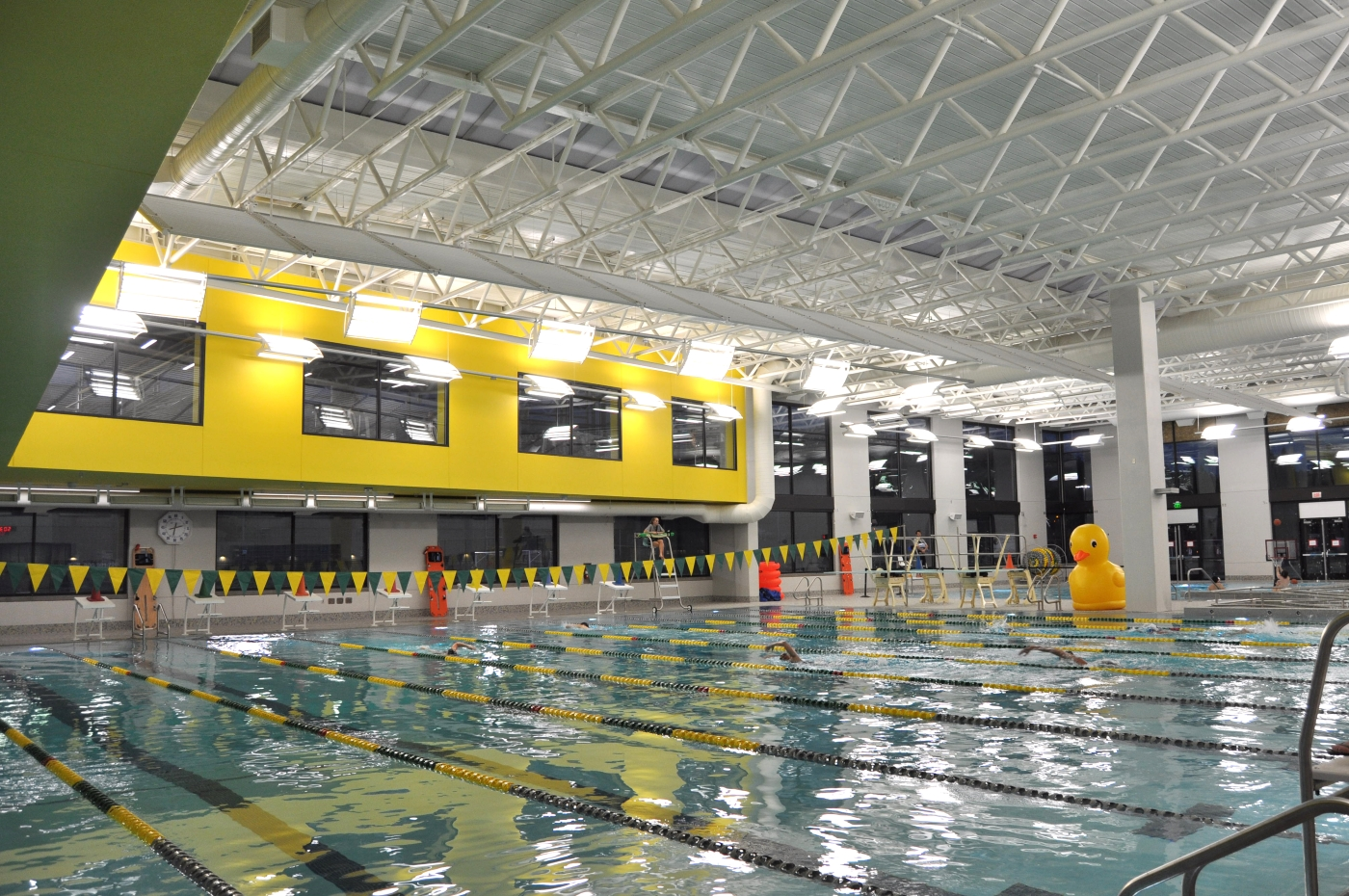 Seattle local business news and data construction university of oregon 39 s 50m rec for Swimming pool installation seattle